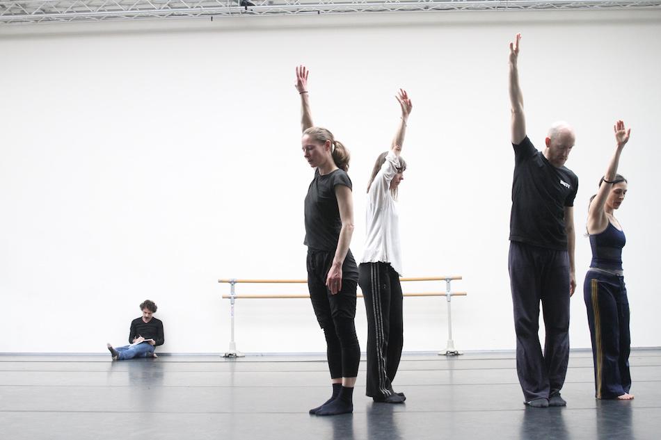 DANCE ON ENSEMBLE bei Proben mit Rabih Mroué, Foto: Dorothea Tuch
